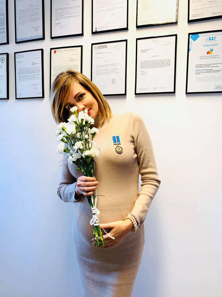 Weronika Marczuk z dużym ciążowym brzuszkiem