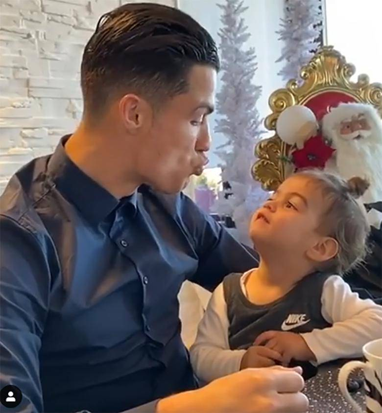 Cristiano Ronaldo z córką Alaną Martiną