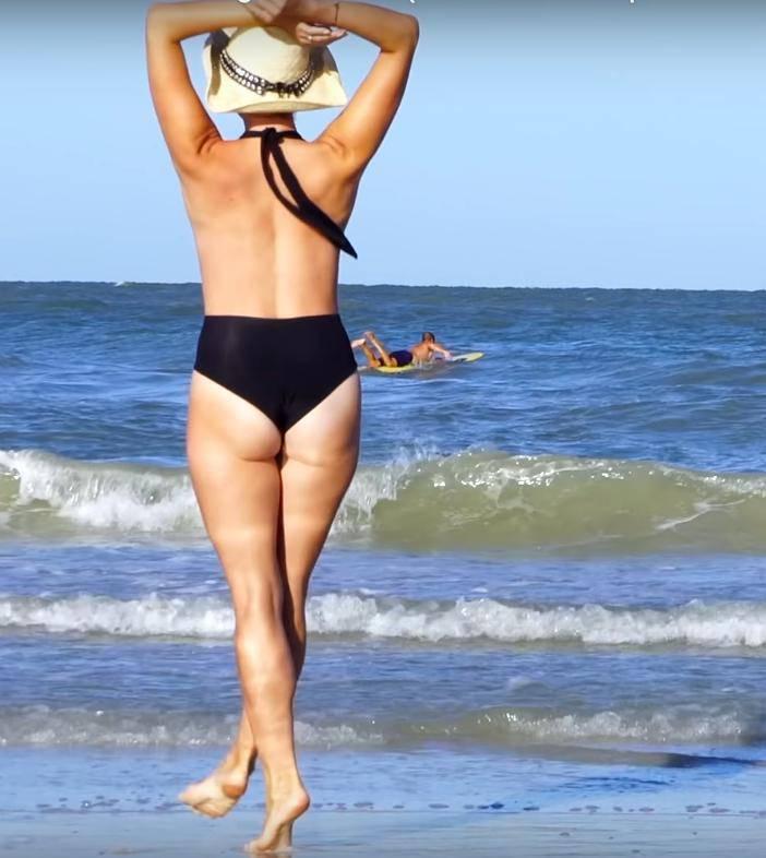 Kajra w bikini