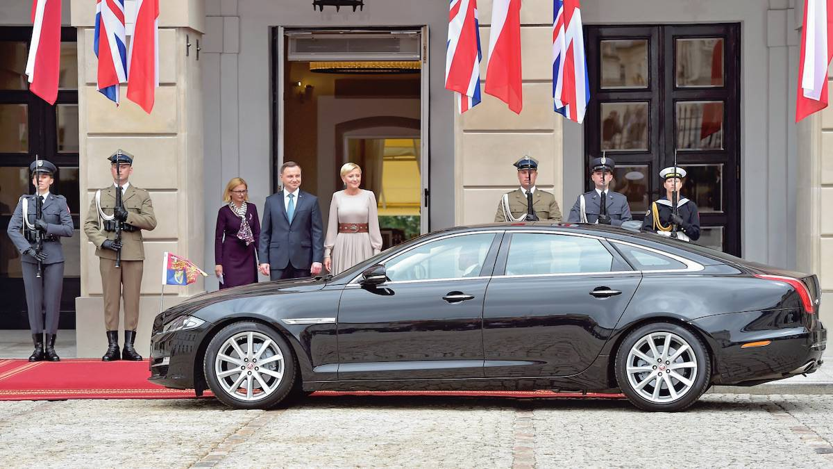 Pałac prezydencki i urzędujący prezydent Andrzej Duda z żoną