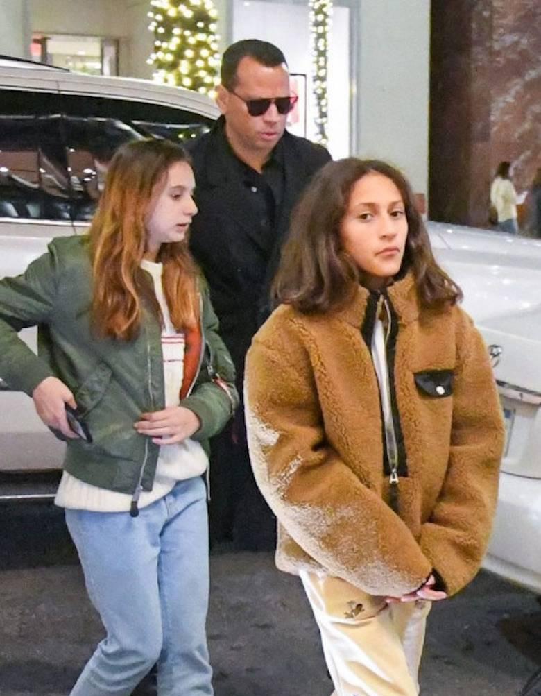 Alex Rodriguez z córkami