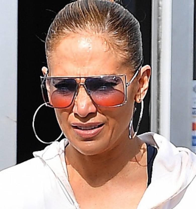Zdjęcie (2) J.Lo pokazała swoje słynne pośladki w pełnej krasie! Obcisłe leginsy nie zostawiły nic dla wyobraźni