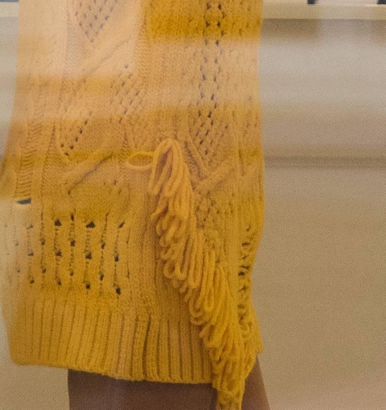 Ciężarna Małgorzata Rozenek w żółtej stylizacji na zakupach