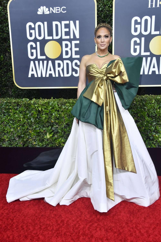 Jennifer Lopez – Złote Globy 2020, kreacja: Valentino