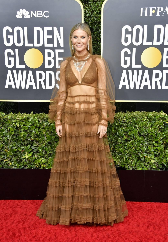 Gwyneth Paltrow – Złote Globy 2020, kreacja: Fendi