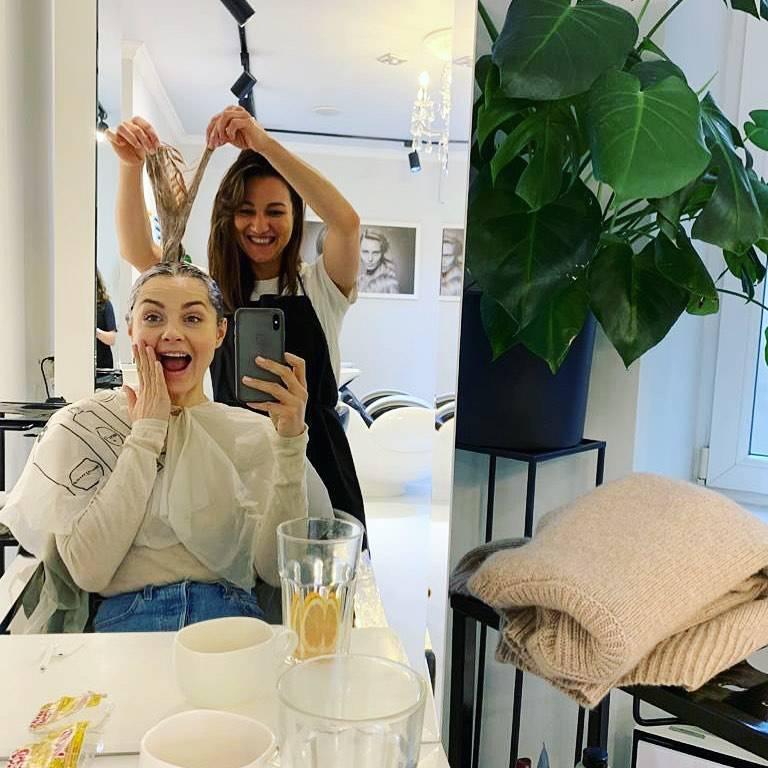Małgorzata Socha u fryzjera