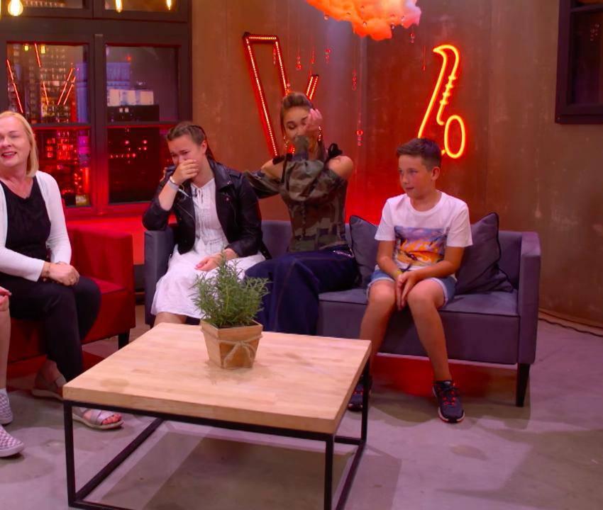 Ida Nowakowska i Anastazja Maciąg płaczą w The Voice Kids
