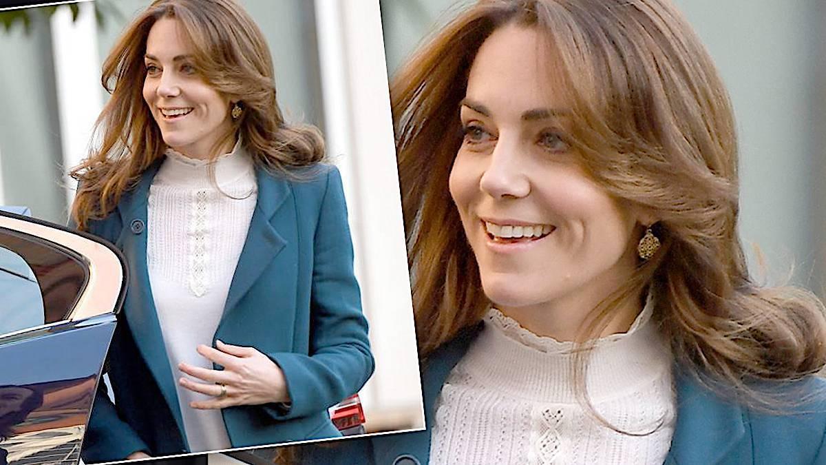 Księżna Kate w niebieskim płaszczu