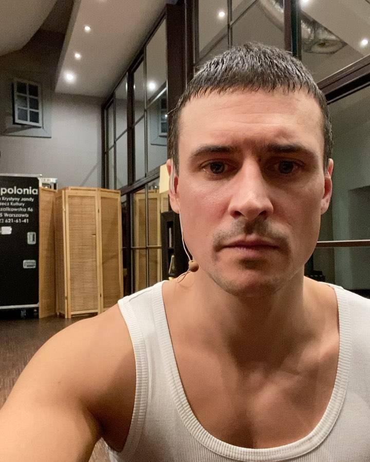Zdjęcie (2) Mateusz Damięcki rzucił wyzwanie warte miliony. Na czym polega #hophopchallenge?