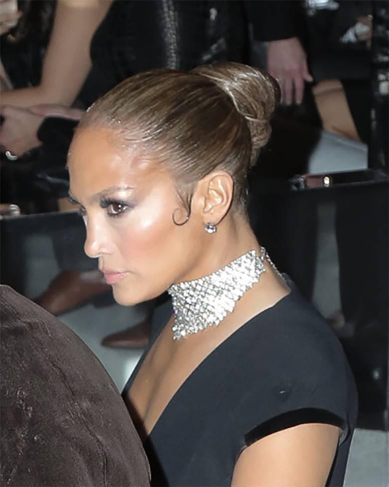 Jennifer Lopez - makijaż na pokazie mody. Czy był korzystny?
