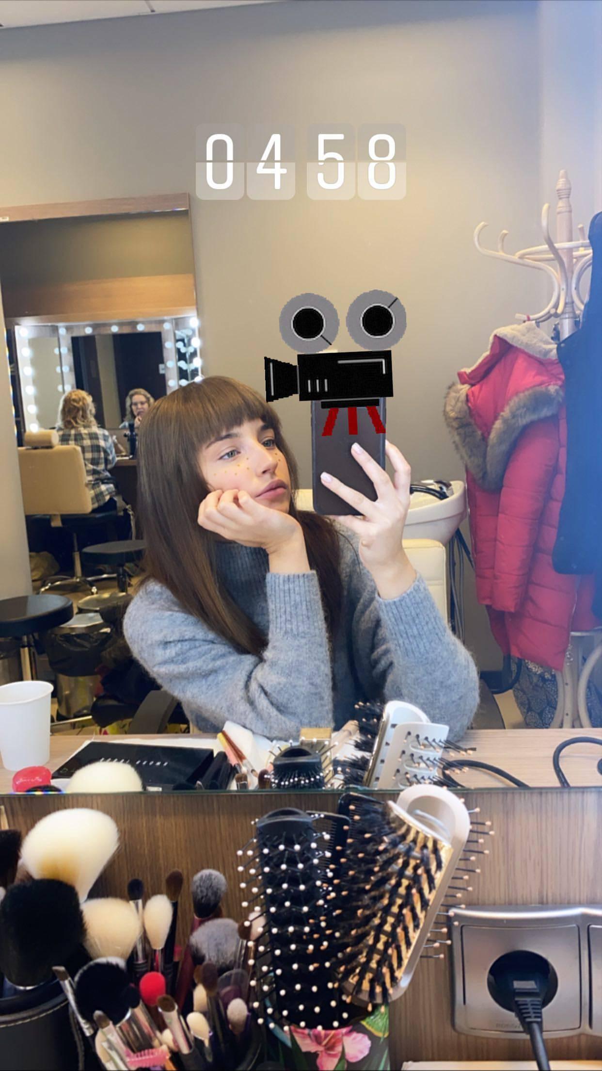 Julia Wieniawa z grzywką. Jak wygląda?