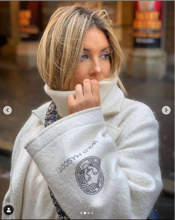 Małgorzata Rozenek w płaszczu