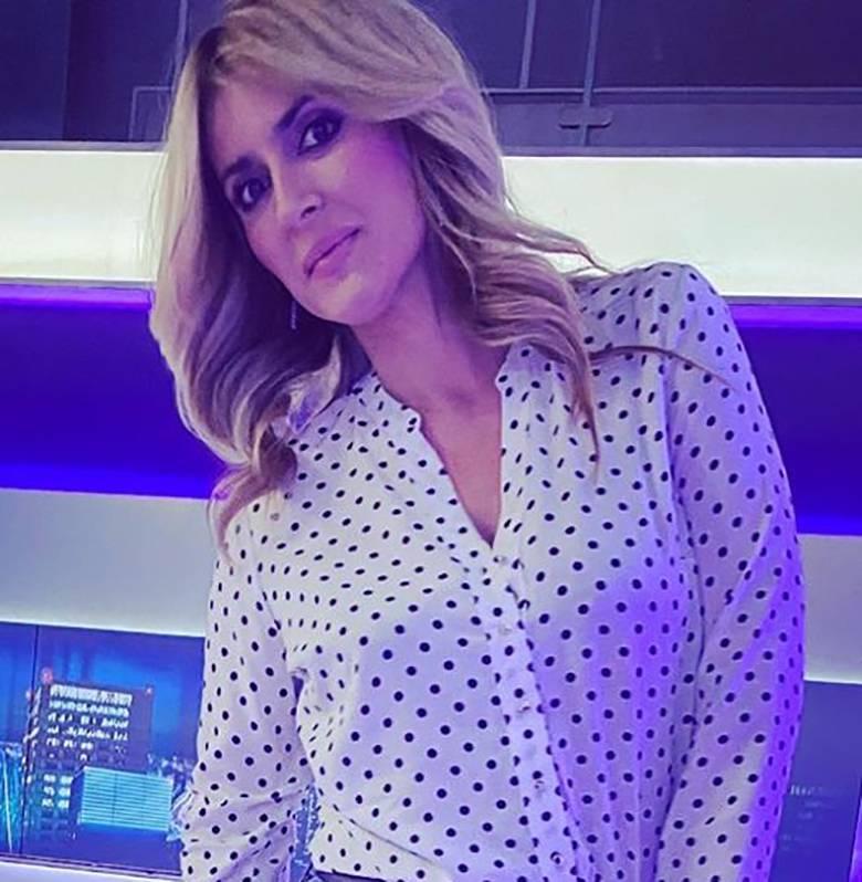 Karolina Szostak - koszula w groszki