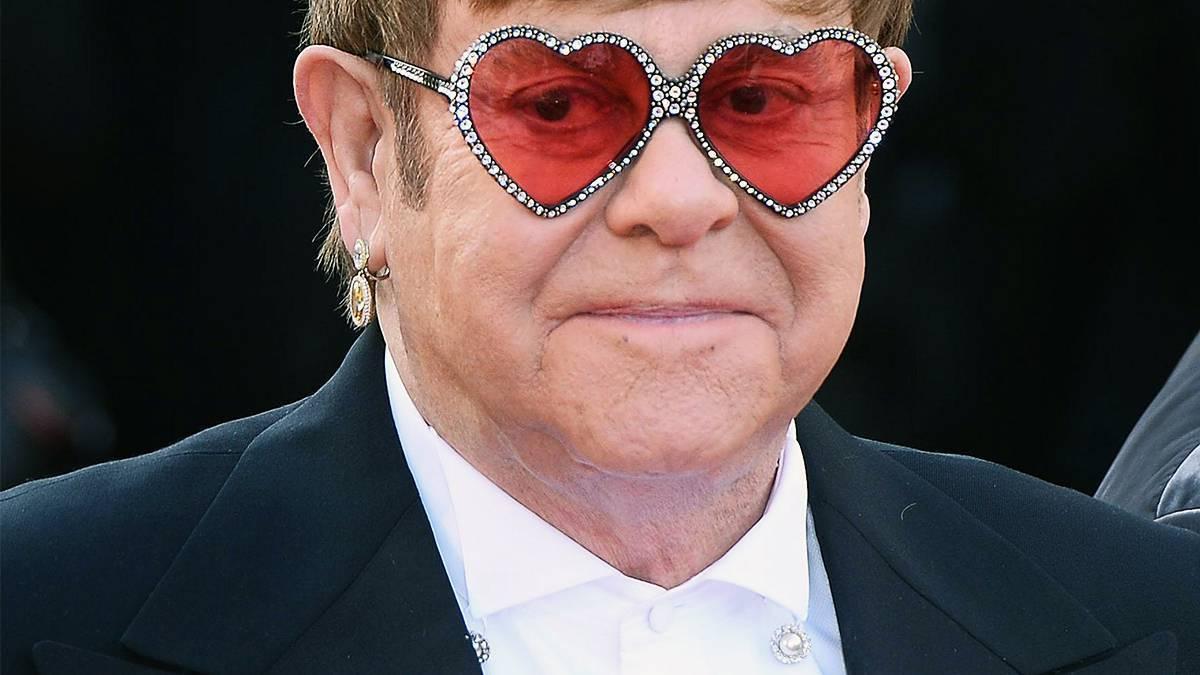 Elton John stracił głos - co się stało?