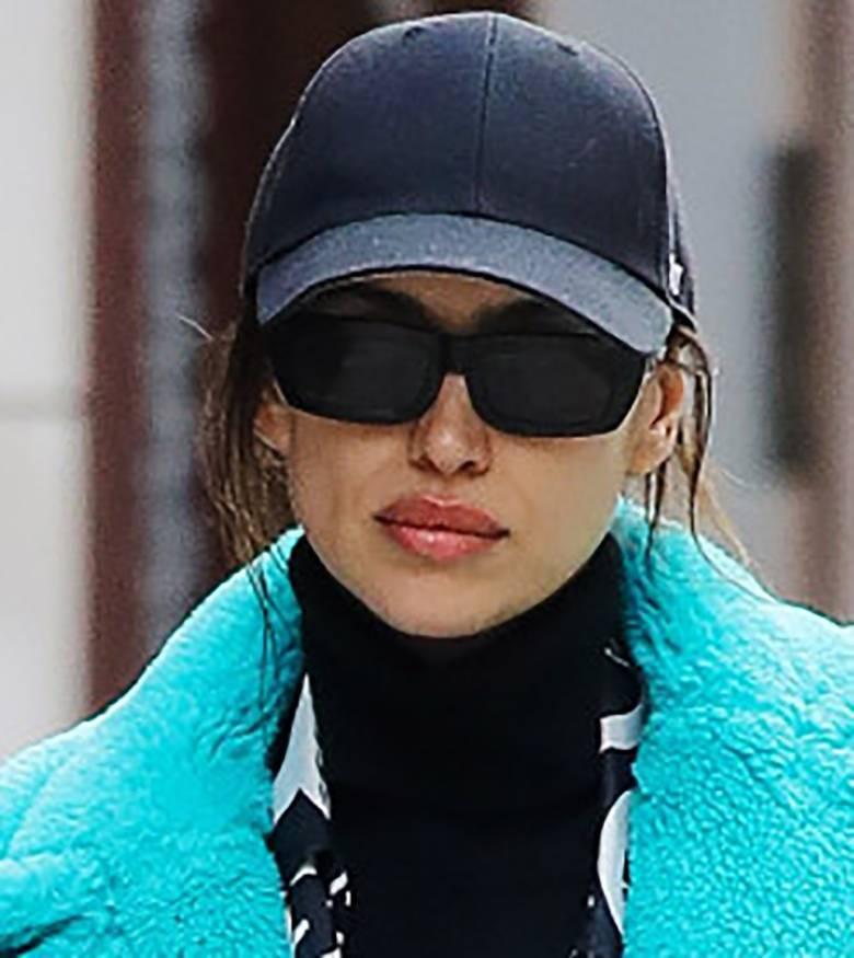 Irina Shayk w pluszowym płaszczu w NYC