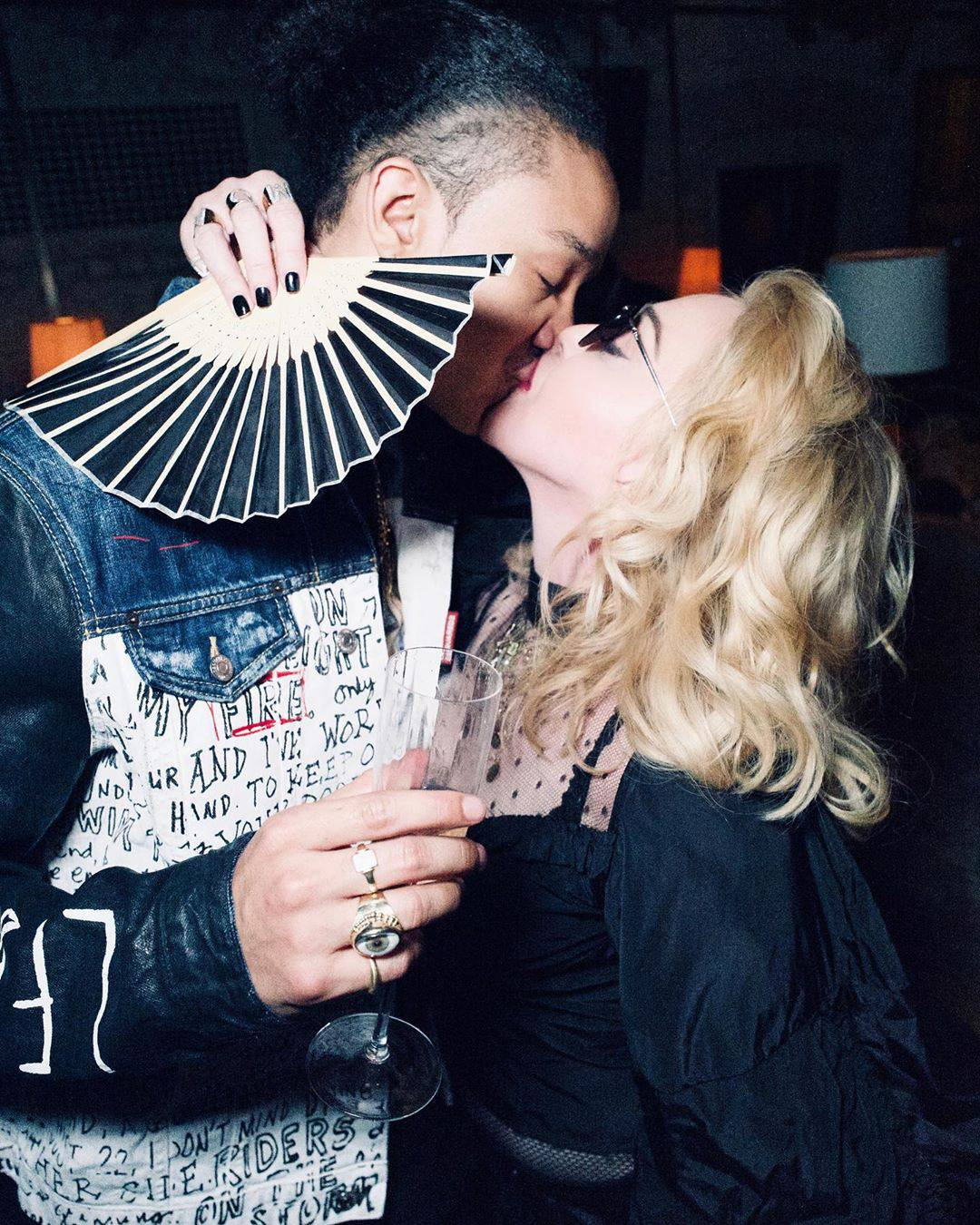 Madonna całuje swojego chłopaka, Instagram