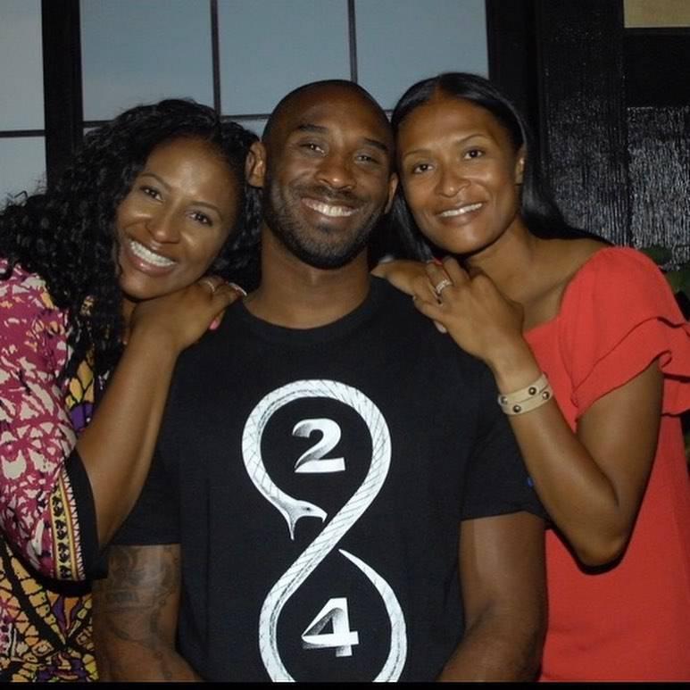 Kobe Bryant z siostrami, Instagram