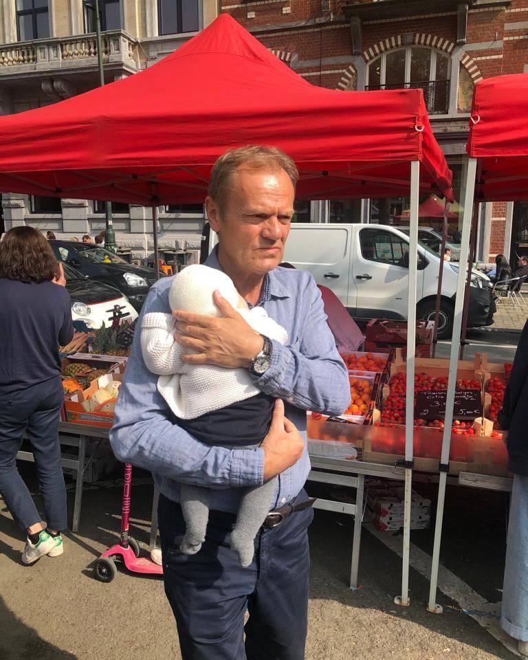 Donald Tusk z wnuczką
