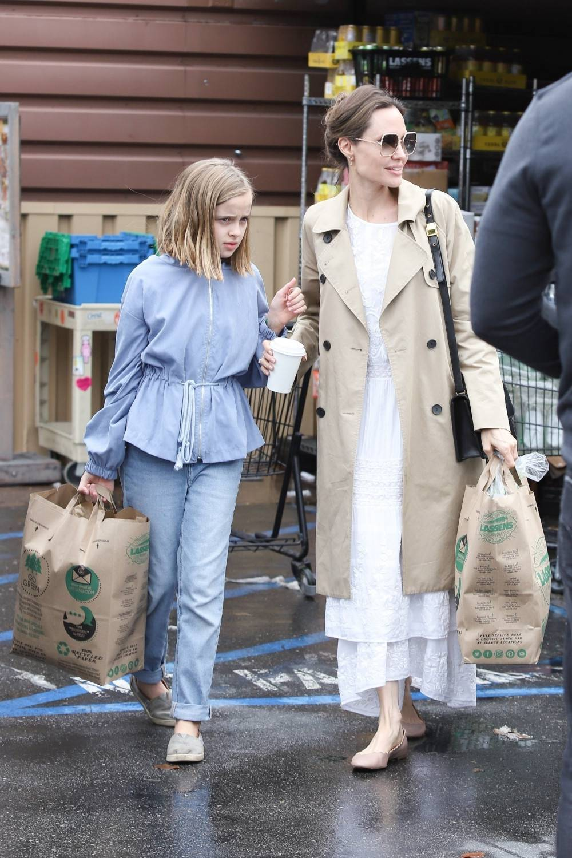 Angelina Jolie z córką Vivienne na zakupach w Los Angeles