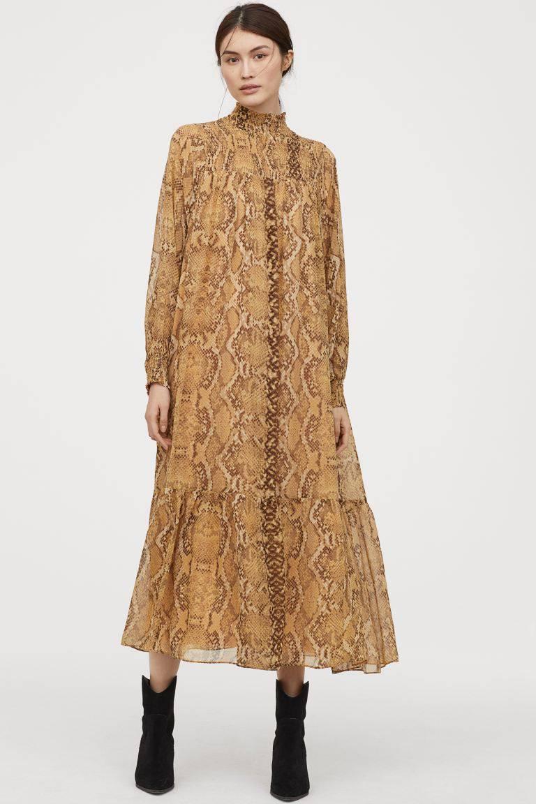 Najbardziej pożądana sukienka z H&M trafiła na wyprzedaż! Tańsza już nie będzie zdjecie 1