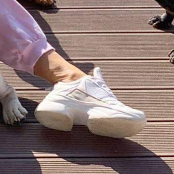 Małgorzata Rozenek w najmodniejszych butach sezonu. Znaleźliśmy dla was tańszą wersję w sieciówce zdjecie 1