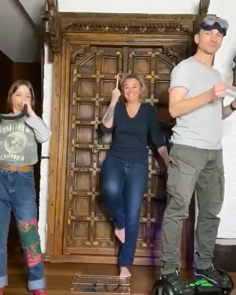 Martyna Wojciechowska, Przemek Kossakowski i Marysia nagrali piosenkę