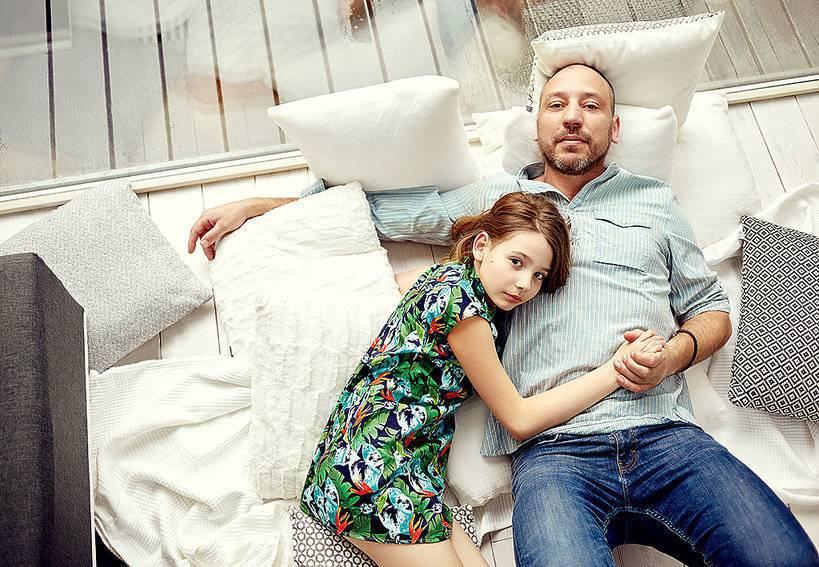 """Zdjęcie (5) Prokop odważnie do córki Agaty Mróz: """"Piszą, że gdyby nie ty, to mama wciąż by żyła"""". Wzruszająca odpowiedź 13-latki"""
