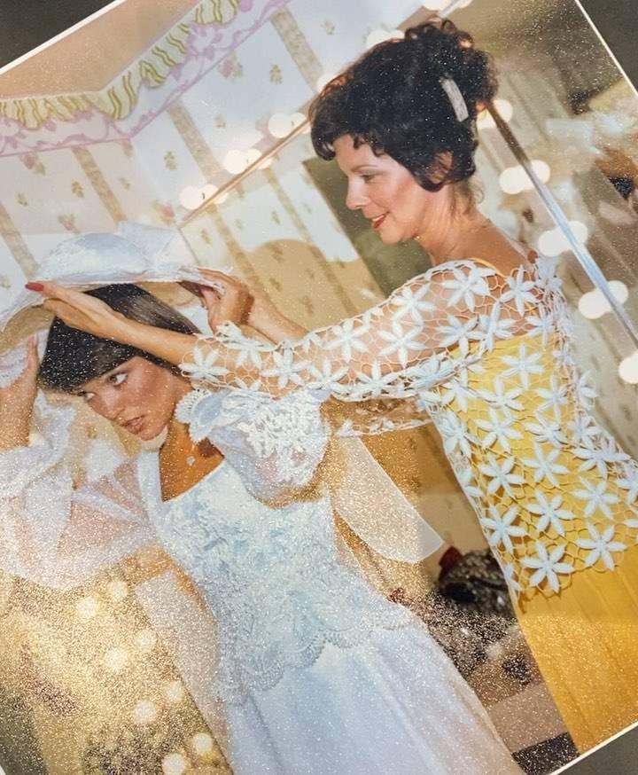 Kris Jenner zdjęcia ze ślubu z Robertem Kardashianem