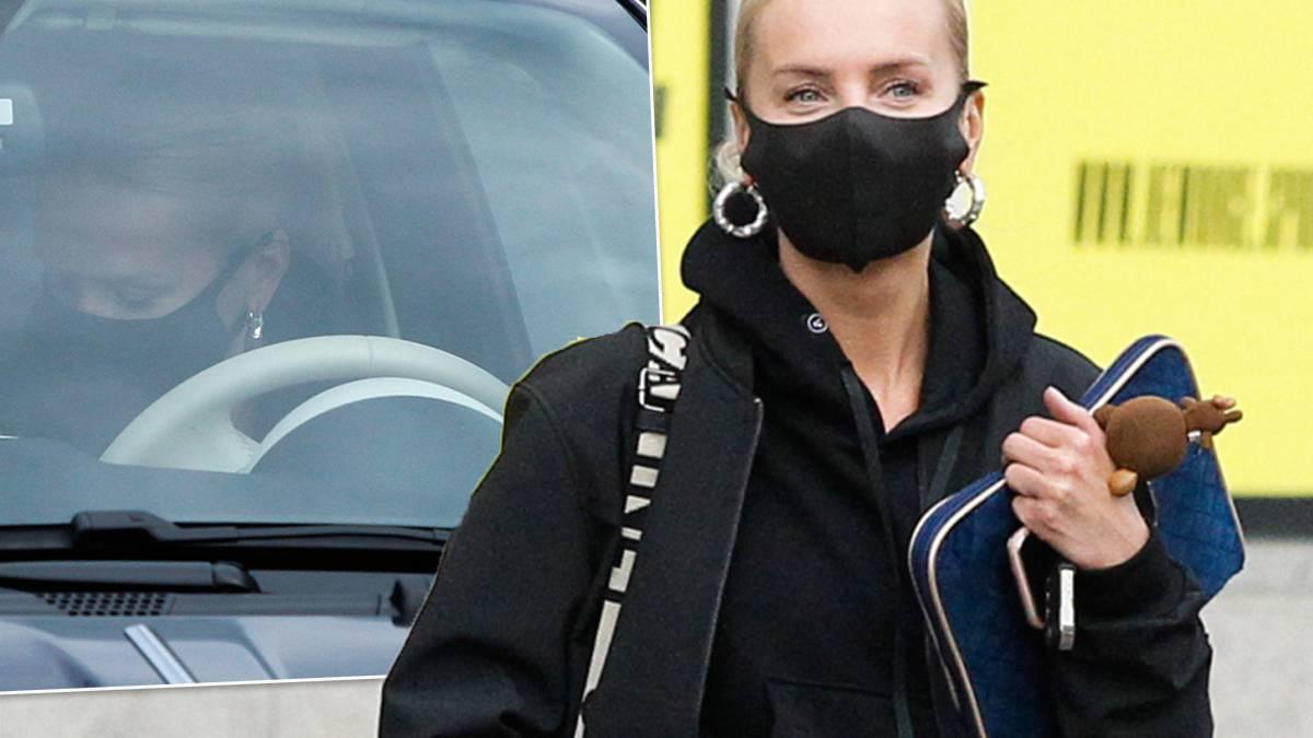 Agnieszka Woźniak-Starak w drodze z pracy