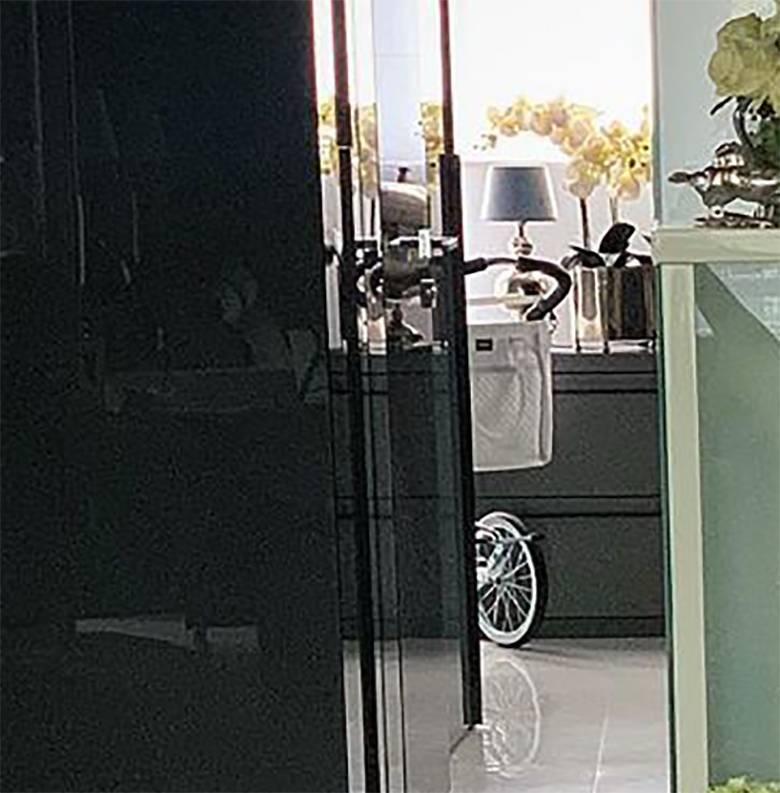 Radosław Majdan pokazał wózek dla synka