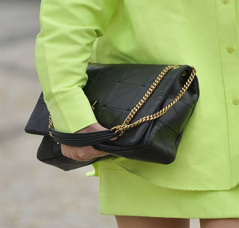 Zdjęcie (4) Marcelina Zawadzka jak soczysta limonka przed studiem TVP. Co za nogi!