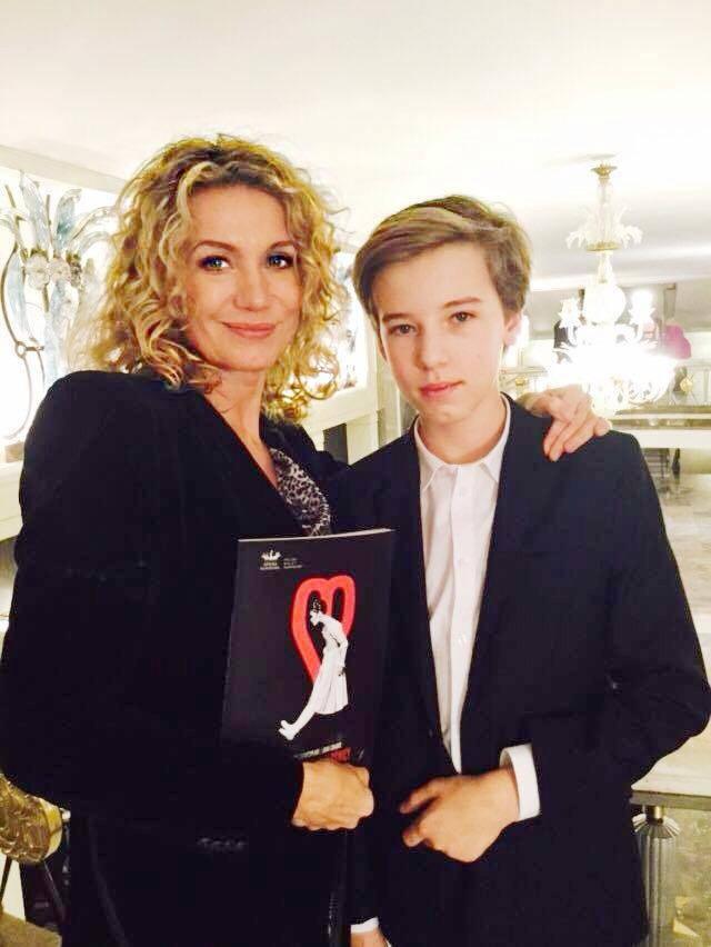 Joanna Trzepiecińska z synem Wiktorem