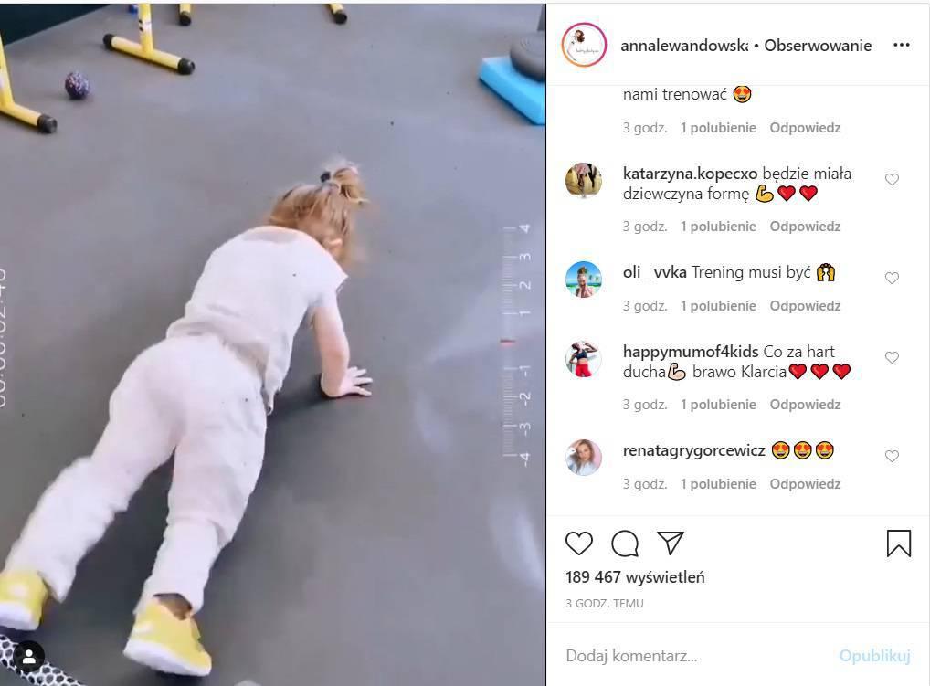 Klara Lewandowska ćwiczy