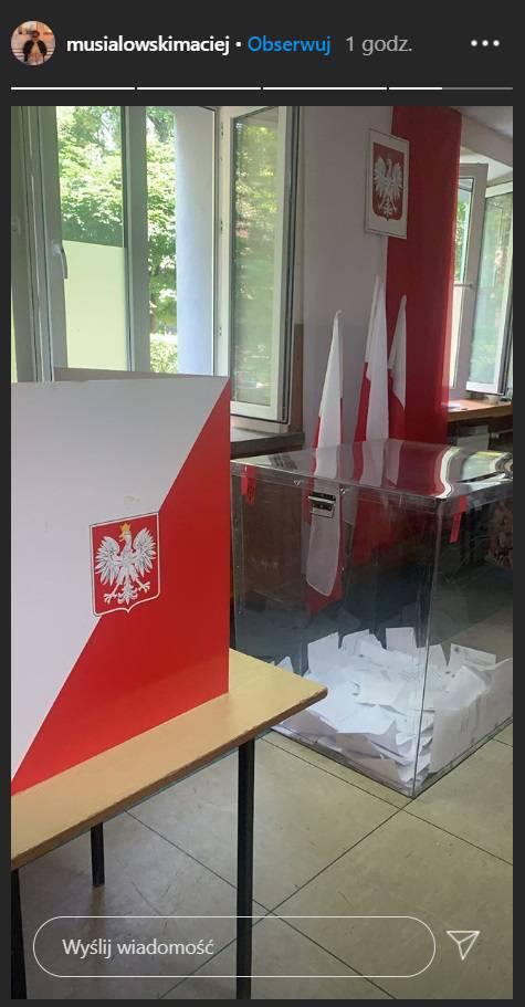 Zdjęcie (21) Wybory prezydenckie 2020. Gwiazdy głosują od rana: Kożuchowska, Rusin, Mucha