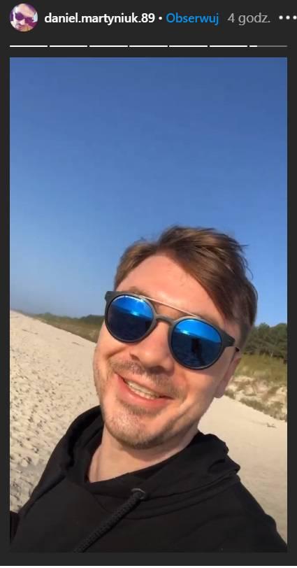 Daniel Martyniuk imprezuje na plaży
