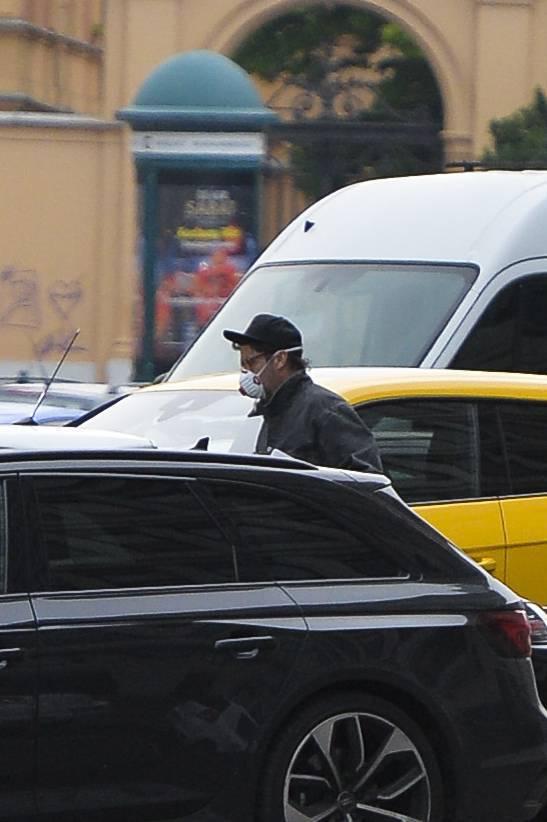Kuba Wojewódzki w drodze do radia bez ochroniarza