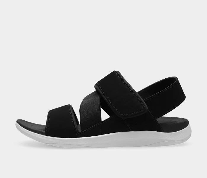 Zdjęcie (4) Miłośniczka luksusowych ubrań nosi buty z sieciówki. Anna Lewandowska w przystępnej cenie upolowała hit sezonu