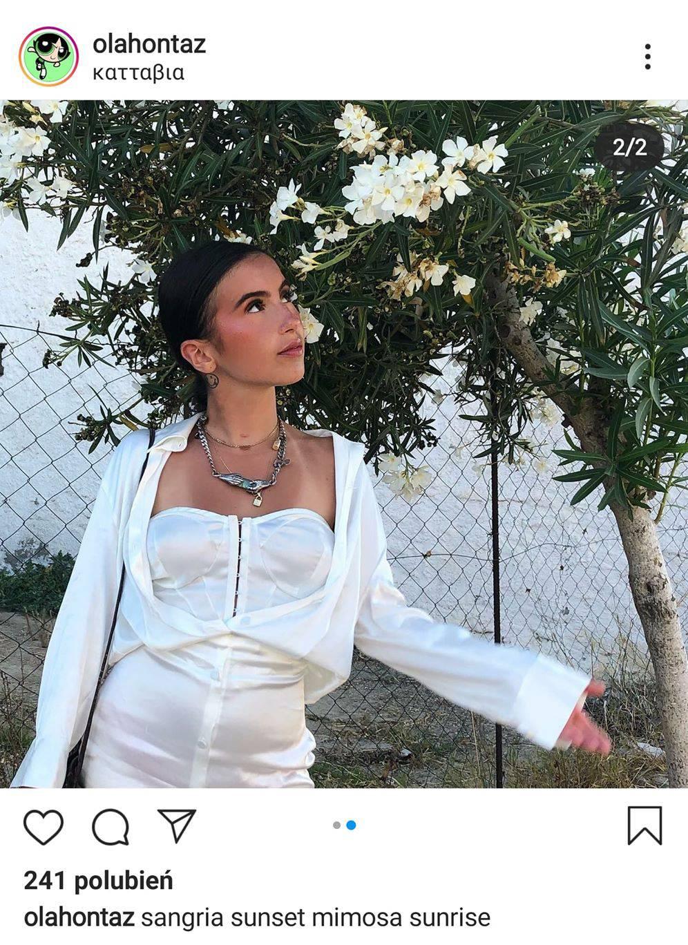 Ola Kowalska w białej sukience