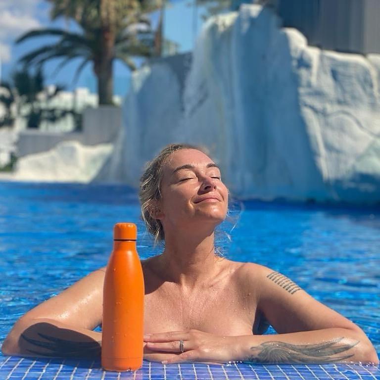 Martyna Wojciechowska na basenie