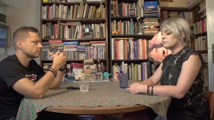 Małgorzata Halber podczas wywiadu z Markiem Sekielskim