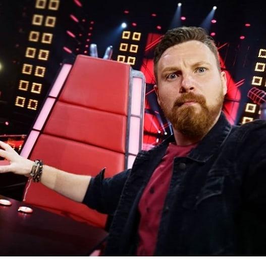 Zdjęcie (2) Edyta Górniak zwariowała na punkcie uczestnika w The Voice. Szalony taniec gwiazdy na stole, a potem jeszcze TO
