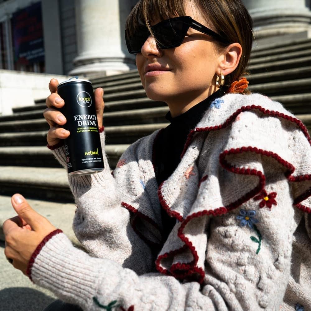Anna Lewandowska w swetrze z Zary