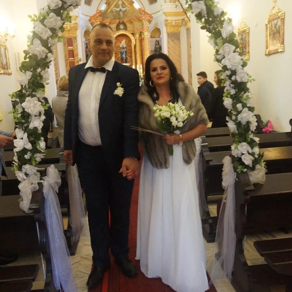 """Zdjęcie (11) Edzia z """"Królowych życia"""" pokazała zdjęcia ze ślubu. Wyglądała pięknie, ale to Dagmara skradła show"""