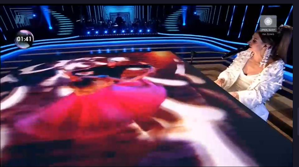 Zdjęcie (5) Sylwia Grzeszczak podczas finału TZG olśniła stylizacją. Wyglądała jak anioł skąpany w perłach