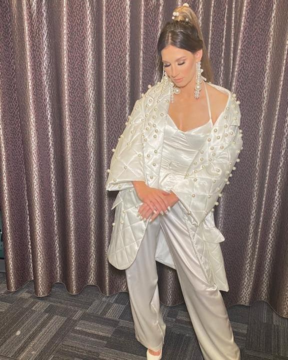 Zdjęcie (4) Sylwia Grzeszczak podczas finału TZG olśniła stylizacją. Wyglądała jak anioł skąpany w perłach