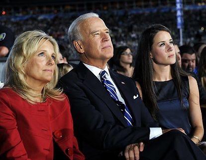 Zdjęcie (6) Jill Biden zaskoczyła Joe Bidena i całą Amerykę z okazji walentynek. Takiego posunięcia z jej strony nikt się nie spodziewał