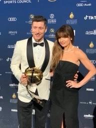 Zdjęcie (4) Anna Lewandowska w stylizacji za 100 tys. zł na gali w Dubaju świętuje sukces Roberta. Nie zabrało zdjęcia z Ronaldo