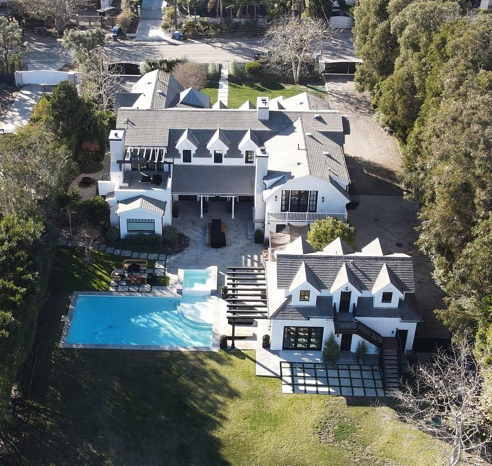 Chris Martin i Dakota Johnson: nowa posiadłość