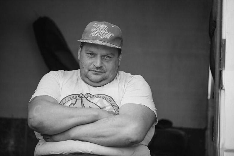 """Zdjęcie (3) Marek """"Krzykacz"""" Pawłowski nie żyje. Gwiazda hitu Discovery zmarła w sylwestrową noc"""