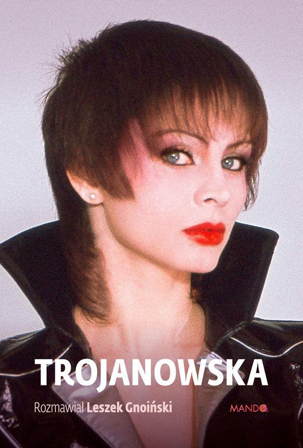 Izabela Trojanowska w krótkiej fryzurze
